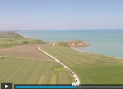 Il drone rende magica Punta Aderci, sorvolando i veicoli storici
